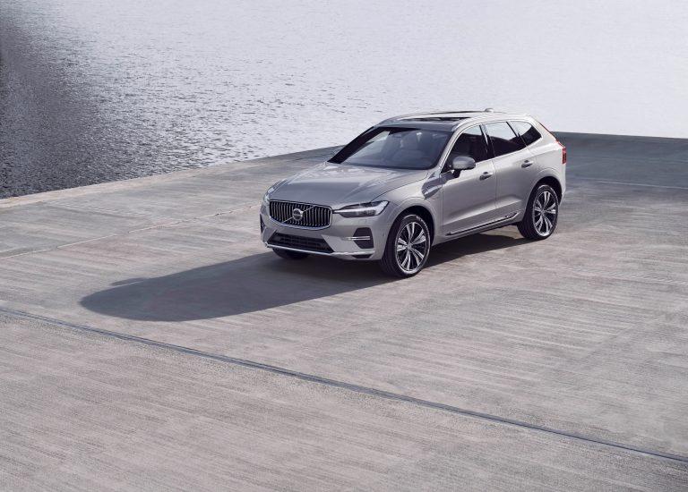 Най-продаваният модел на Volvo Cars XC60 вече е по-интелигентен от всякога
