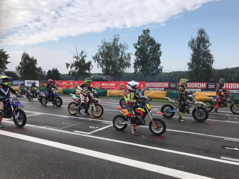 3-то и 5-то място за българите на ЕШ по супермото в Чехия