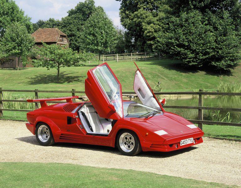 Lamborghini – от най-ниския автомобил до първия супер SUV