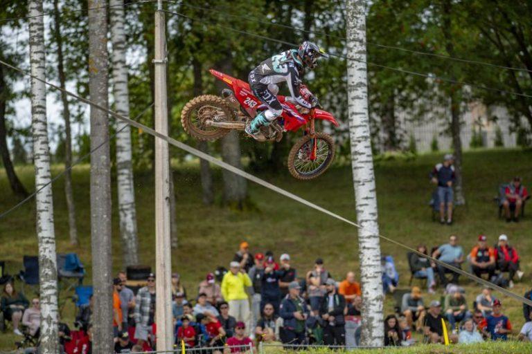 Победа на Гайсер и Honda в MXGP на Латвия