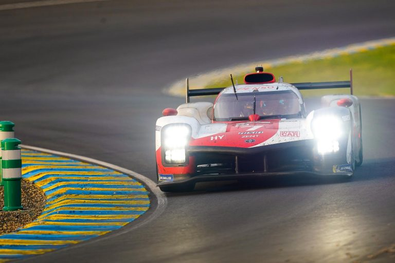 Toyota с четвърта поредна победа в 24 часа на Льо Ман
