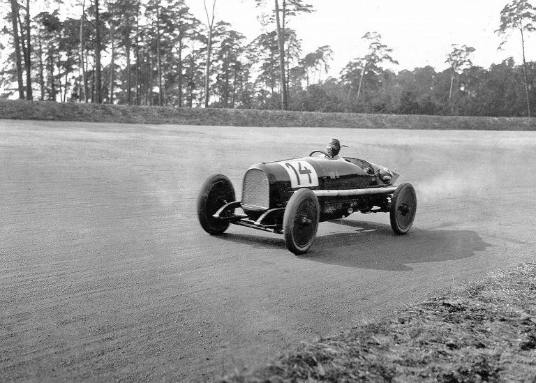Преди 100 години Opel печели първото състезание на Авус