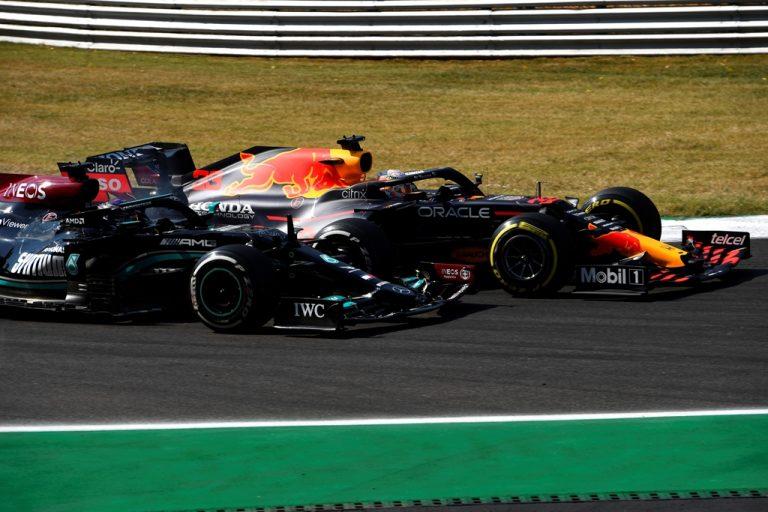Верстапен наказан с три места за старта на Гран При на Русия заради инцидента с Хамилтън