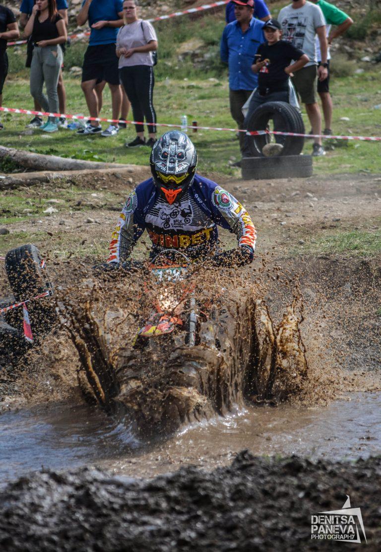 """Над 100 състезатели участваха в двудневните битки в 6-ия кръг от  Екстремения Ендуро Шампионат """"Enduro-X Alba Damascena"""""""