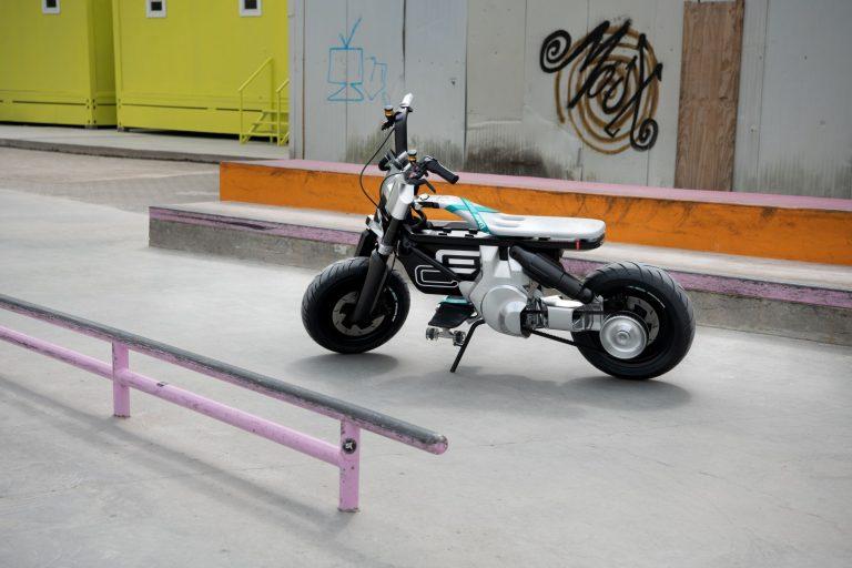 BMW Motorrad представя Concept CE 02